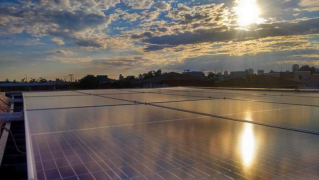 Vantagens e desvantagens da produção de energia solar