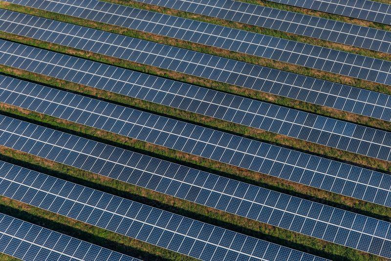 O que são e como funcionam as usinas solares
