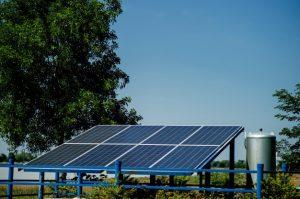 Como funciona a energia solar durante a noite