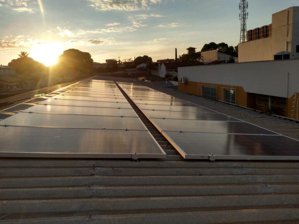 O que acontece com o sistema de energia solar à noite