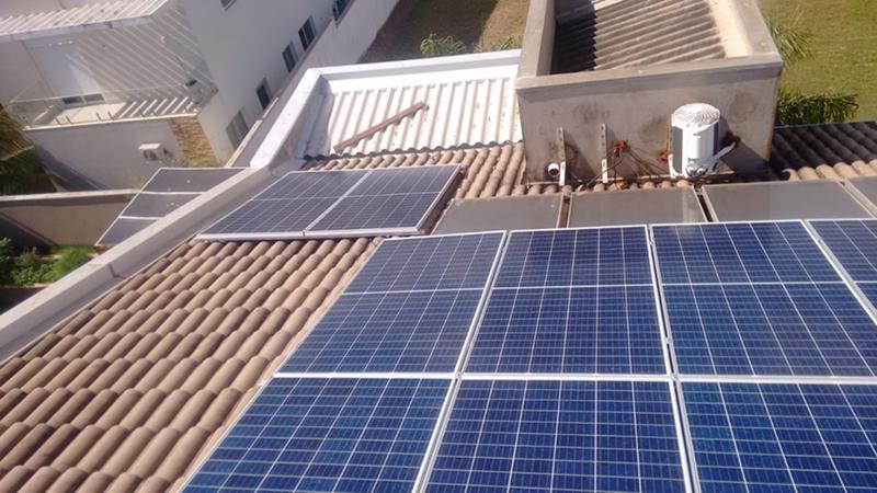 Modelos de painéis solares disponíveis no mercado