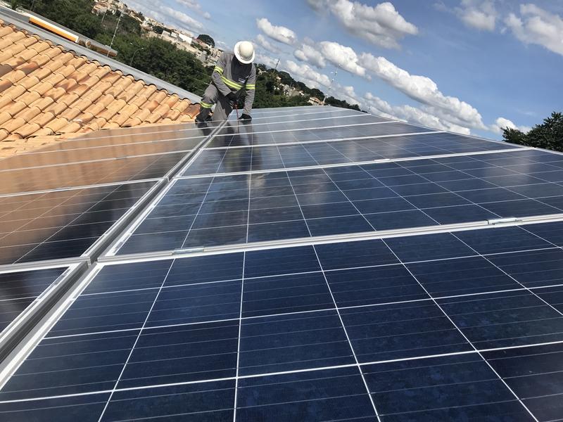 Instalação de painel solar fotovoltaico