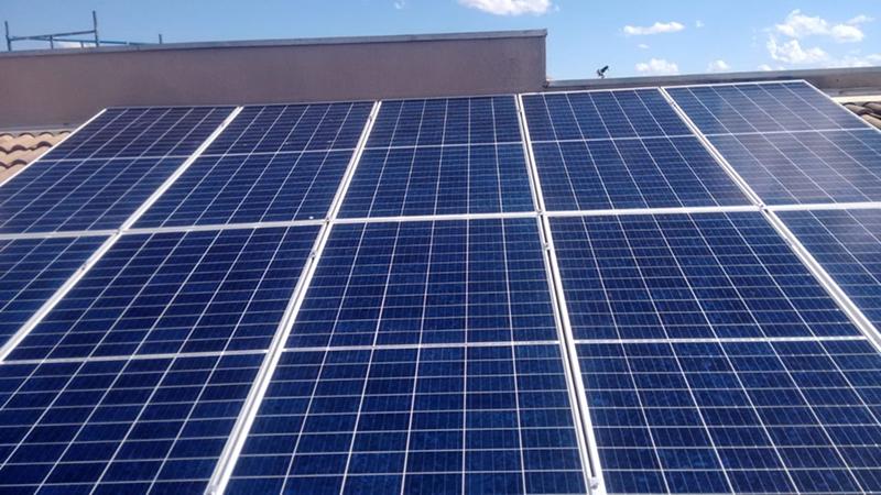 O que é um painel solar