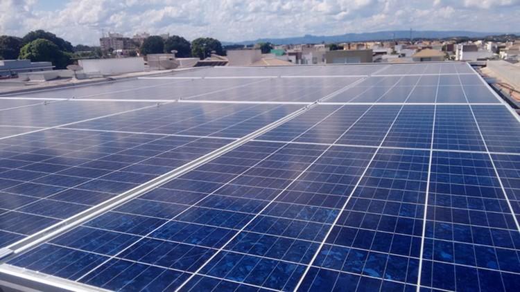 Projeto de energia solar implantado pela Cogera