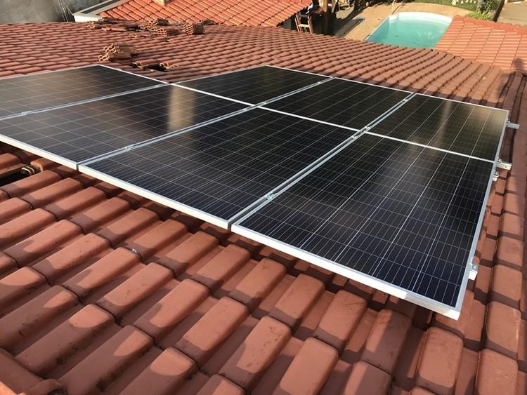 Implantação de sistema fotovoltaico pela Cogera