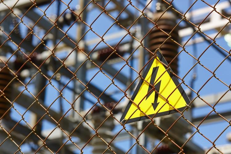 Equipamentos de uma subestação de energia exigem atenção