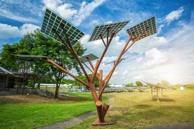 Geração solar fotovoltaica: centralizada e distribuída