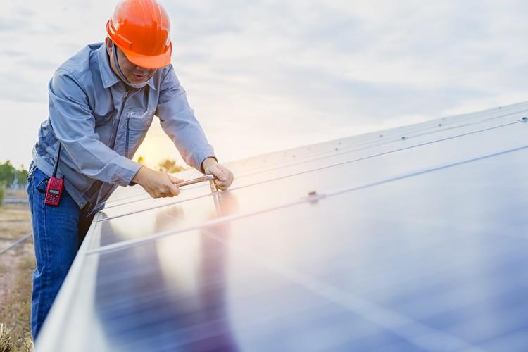 Veja como funciona o gerador de energia solar conectado à rede