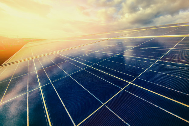 Como funciona um sistema de energia solar